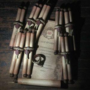 Свитки на палочках